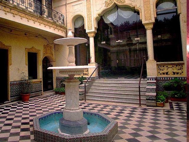 Sala patio español